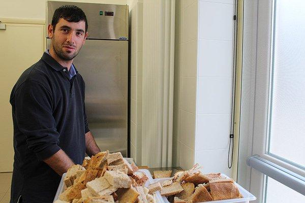 Andrea che ha tagliato tutto il pane