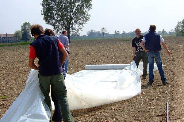 Montaggio serra - Aprile 2009