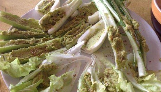 Verdure d'autunno con hummus e gomasio