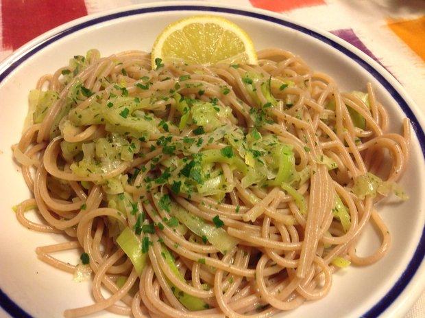 Spaghetti al porro e limone