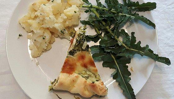 Torta salata con broccolo fiolaro